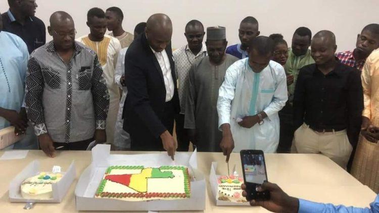Moussa MARA anime à Ouagadougou une conférence organisée par les étudiants maliens au Burkina Faso